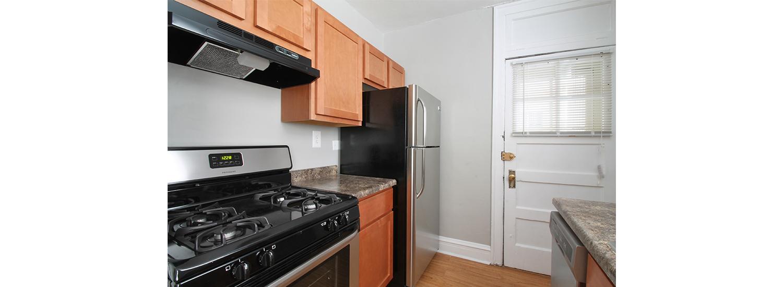 618 S. Austin Blvd. #3B One-Bedroom Apartment