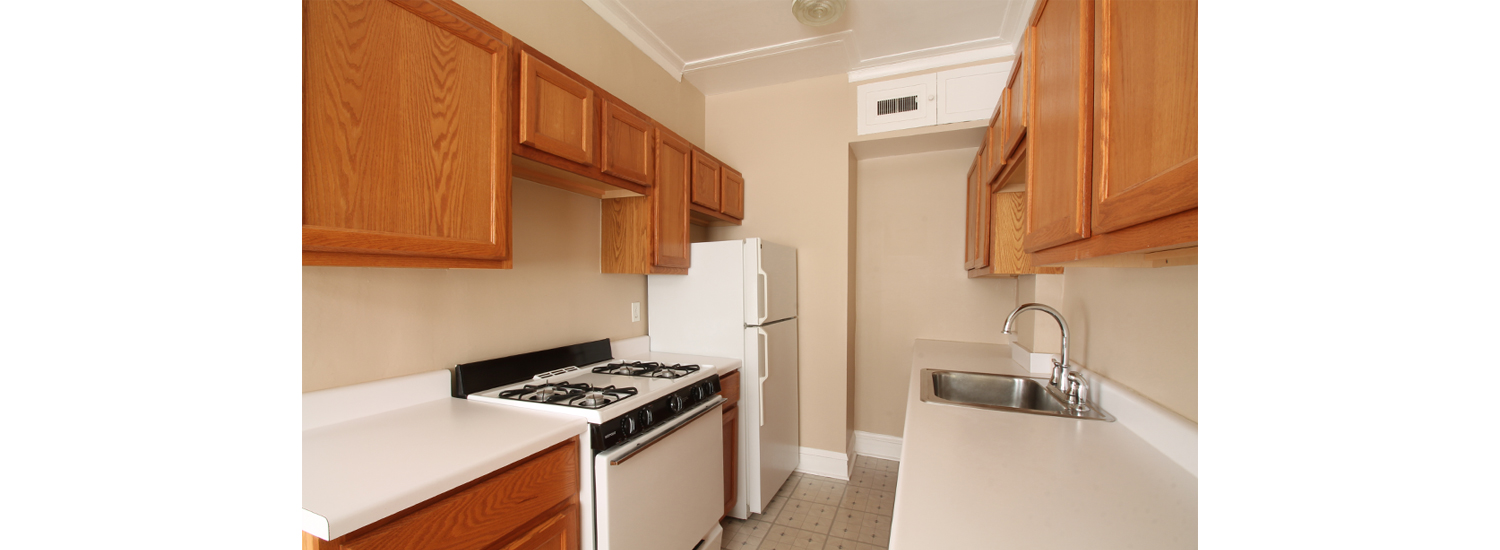 165 S. Oak Park Ave. #10 Studio Apartment