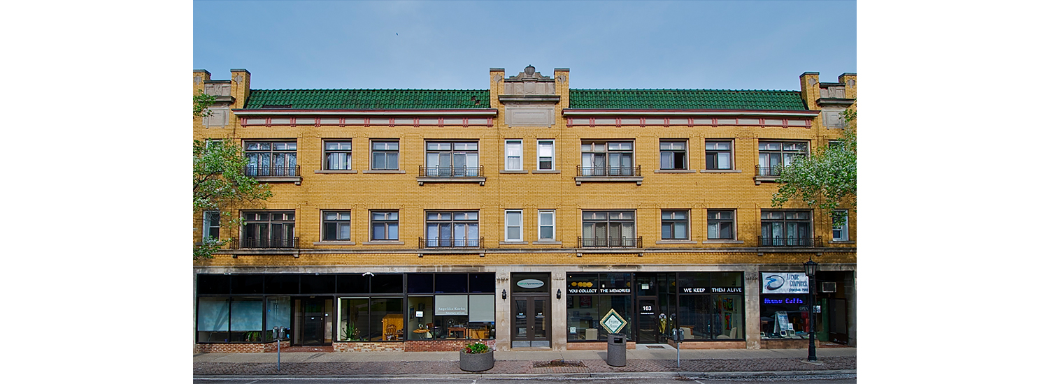 165 S. Oak Park Ave. #3 Studio Apartment