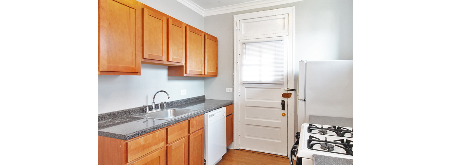 925 Wesley Ave #1 One-Bedroom Apartment