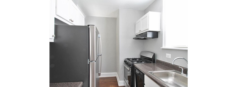 630 S. Austin Blvd. #1M One-Bedroom Apartment